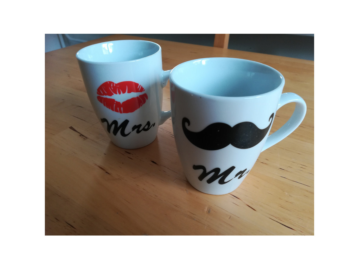 Illustration de Lot de 2 tasses Mme & Mr