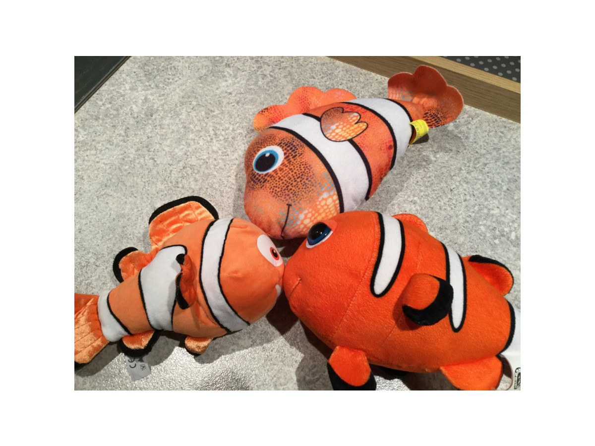 Illustration de 3 peluches Nemo